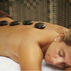 Hot Stone - Ganzkörper-Massage